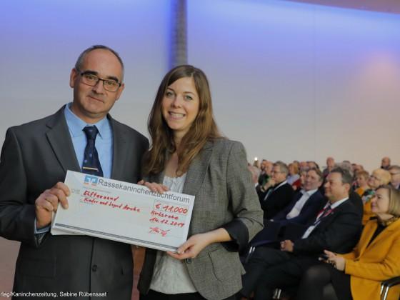 Scheckübergabe Bundeskaninchenschau Karlsruhe 2020